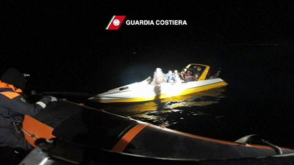Italian coastguard rescues migrants as volunteers prepare for more