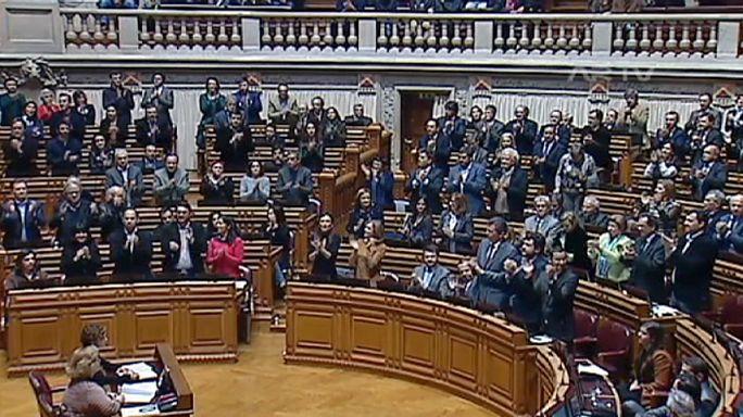 Le parlement portugais valide l'adoption par des couples homosexuels