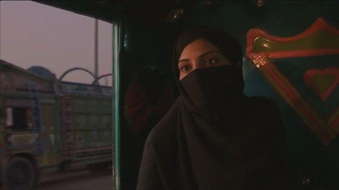 A becsületbeli gyilkosság bűn - mondja a Lány a folyóban pakisztáni rendezője