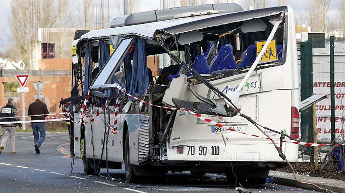 مقتل ستة تلامذة فرنسيين في حادث تصادم حافلة مدرسية