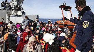 """Еврокомиссар по миграции: """"враг - это сеть контрабандистов"""""""