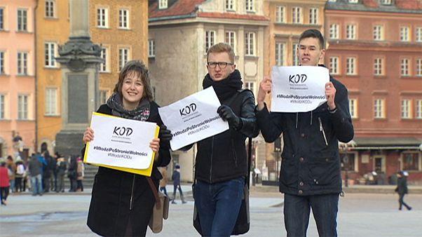 Polonia, democrazia in pericolo? La protesta dei giovani passa anche per il web