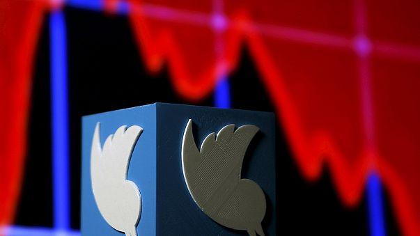"""عدم زيادة أعداد المستخدمين يساهم في تراجع قيمة أسهم """"تويتر"""""""