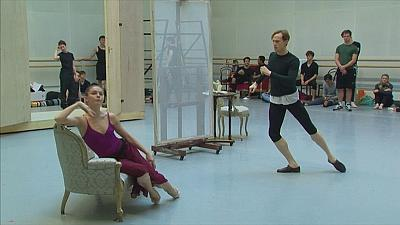 Madame X on stage in Strapless, Royal Ballet production inspired by a scandalous painting