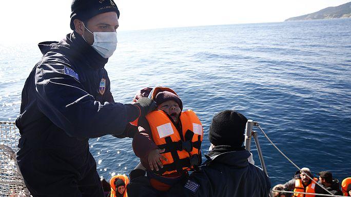 ЕС просит помочь с беженцами Турцию и НАТО