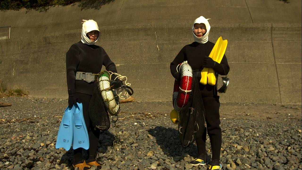 The legendary women divers who hold their breath searching for seafood