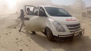 Siria, ancora bombe. Aiuti umanitari per decine di migliaia di profughi