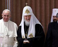 Encuentro histórico entre el papa y el patriarca de la Iglesia ortodoxa rusa