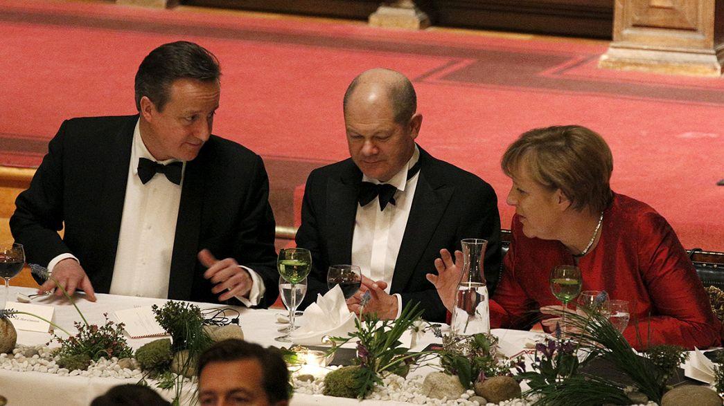 Incontro Cameron-Merkel per scongiurare la Brexit