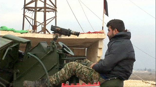 Сирия: правительственные войска отрезают Алеппо от Турции