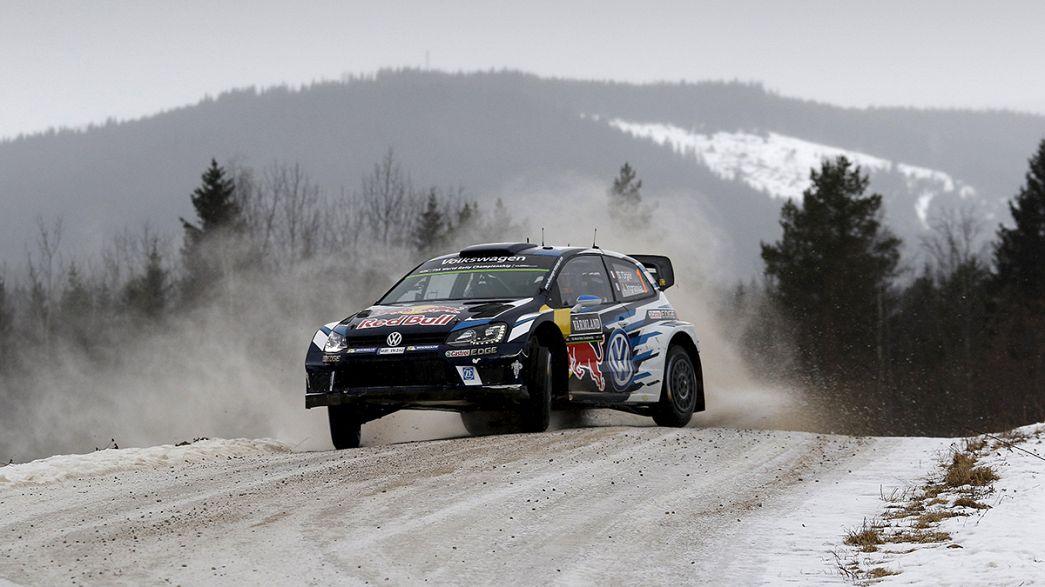 Sebastien Ogier lidera el rally de Suecia ante la presión de Paddon