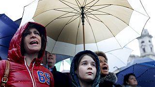 Miles de estudiantes y profesores se manifiestan en Budapest contra la política educativa del Gobierno húngaro