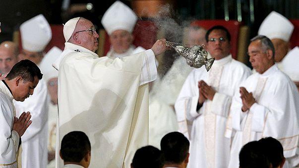 Papst spricht in Mexiko über Gewalt, Armut und Einwanderung