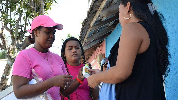 Zika virüsüne karşı askerler meydana indi