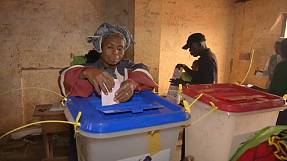 CAR: voters go to polls in crunch elections