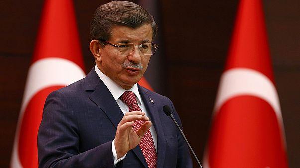 Turquia bombardeia curdos na Síria