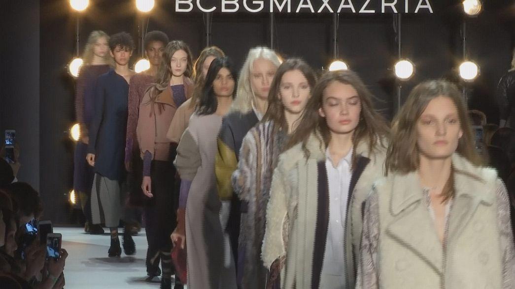Asimetrías y contrastes en el desfile de BCBG Max Azria en Nueva York