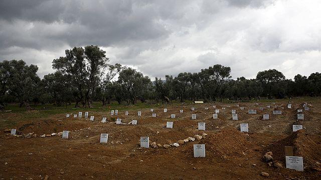 مقبرة جزيرة ليسبوس تضيق بالغرقى من اللاجئين