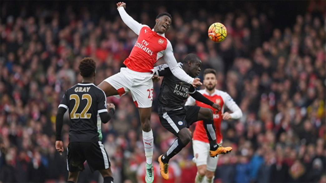 Arsenal bezwingt in letzter Minute Leicester