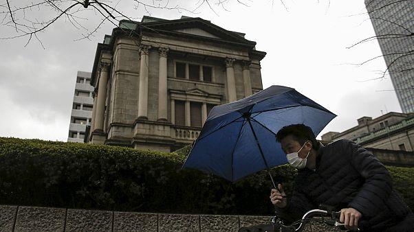 Japans Wirtschaft schrumpft - fundamental aber alles solide, so Regierungschef Abe