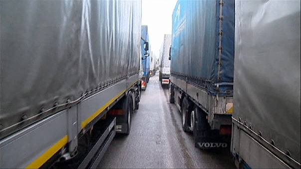 Russian lorries stuck as Poland and Ukraine close borders