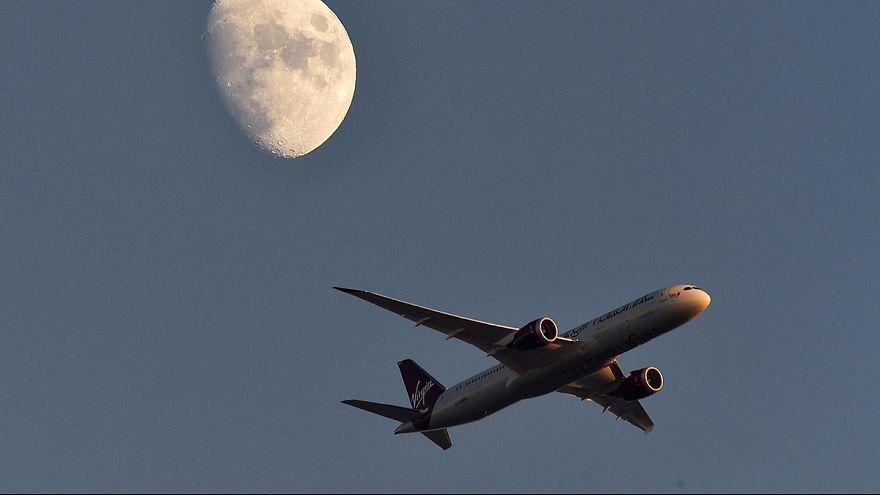 Pilotun gözüne lazer ışını geldi uçak geri dönüş yaptı