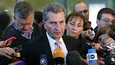"""""""Was würde Ihre Frau sagen?"""" - Oettinger und """"die komische Petry"""""""