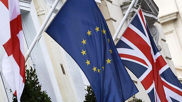 Βρυξέλλες: Κρίσιμες διαβουλεύσεις για Brexit και μεταναστευτικό