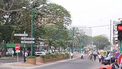 Côte d'Ivoire : les balayeuses de rue sont en colère