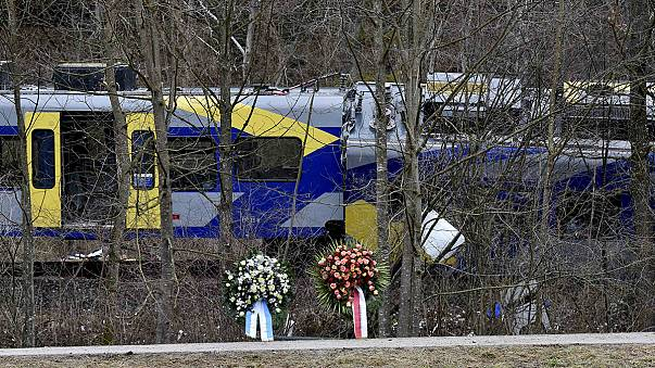 """Alemanha: Acidente ferroviário com 11 mortos foi provocado por """"erro humano"""""""