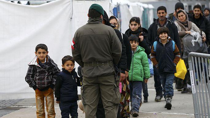 النمسا تشدد إجراءاتها الحدودية وتمنع اللاجئين من الدخول في حال استكمال حصتها