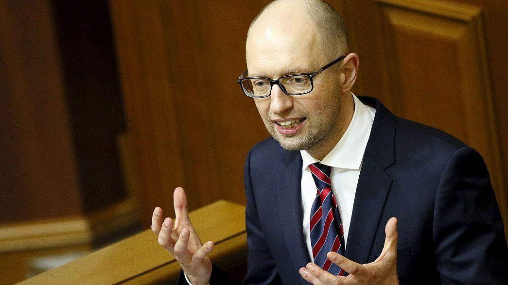 Ukraine: Jazenjuk übersteht Misstrauensvotum