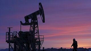 Quatre pays de l'OPEP s'accordent sur un gel de la production de pétrole à son niveau de janvier