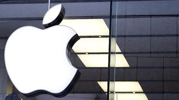 """Суд в США: Apple должна помочь ФБР взломать iPhone """"калифорнийского стрелка"""""""