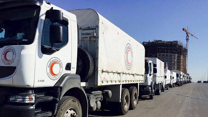 Syrie : des convois d'aide humanitaire en route vers les villes assiégées