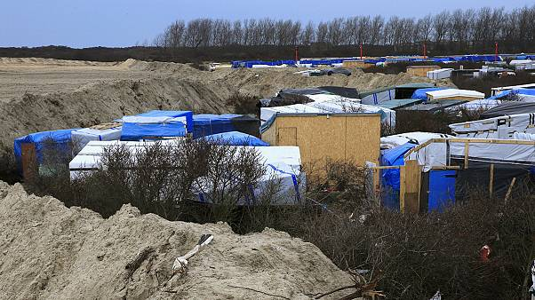 Behörden räumen Teile des Flüchtlingslagers in Calais