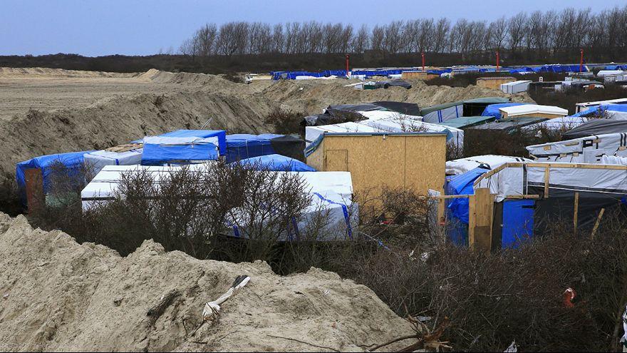 """Evacuación parcial de la """"Jungla"""", el campo de inmigrantes en Calais"""