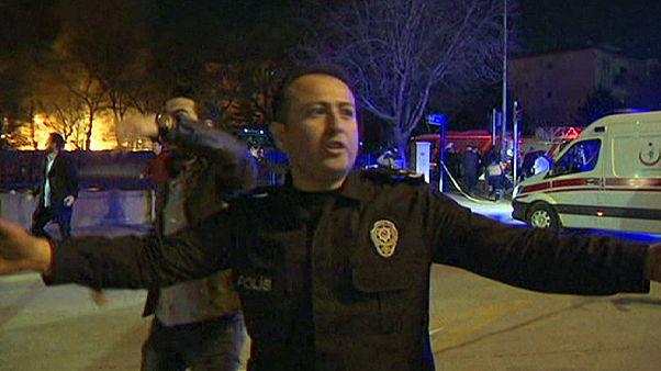 Bombamerénylet rázta meg Ankarát
