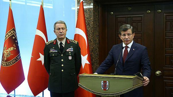 """Il Primo ministro turco accusa i curdi siriani di essere """"direttamente responsabili"""" dell'attentato di Ankara. Nuovo attacco oggi a Diyarbakir"""