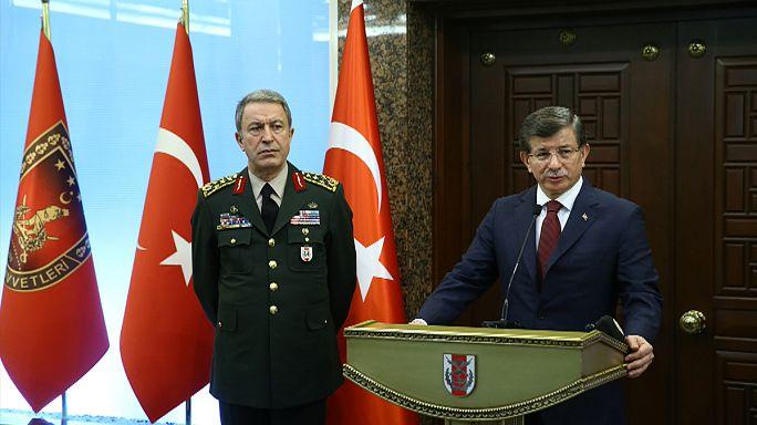 A török kormányfő szerint a szíriai kurd fegyveres szervezet áll az ankarai merénylet mögött