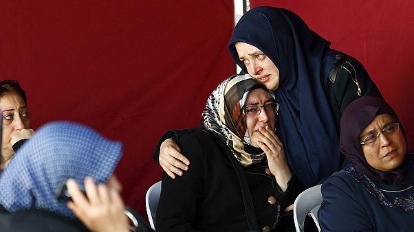 Rabbia e timori in Turchia dopo gli attentati