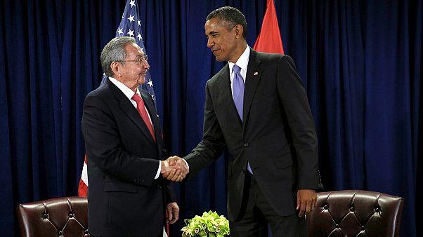 أوباما يزور كوبا في شهر آذار/ مارس ويتعهد ببحث مسألة حقوق الإنسان