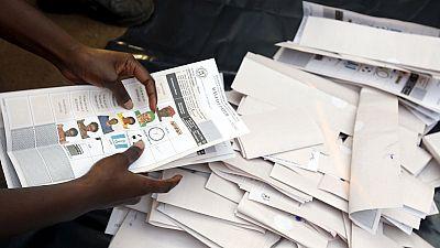 Présidentielle ougandaise : retards et tensions