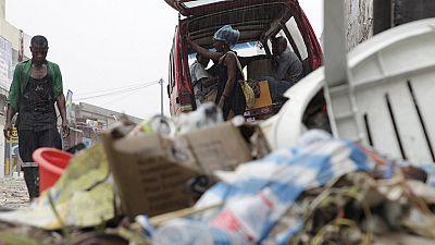 Angola : la crise du pétrole et les ordures à Luanda