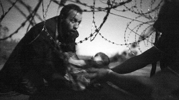 صورة عن اللاجئين تفوز بجائزة افضل الصور الصحفية لعام 2015