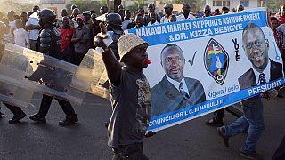 Uganda'da gergin seçim