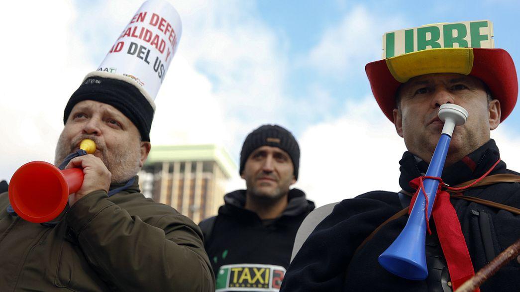 Unos 5.000 taxistas protestan en Madrid contra una reforma que favorece a Uber