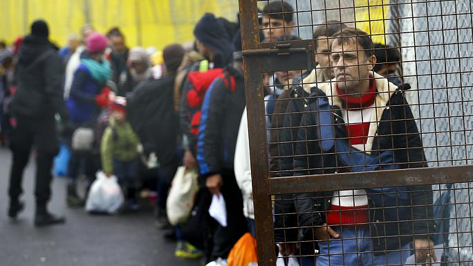 EU warns Austria over daily migrant quotas