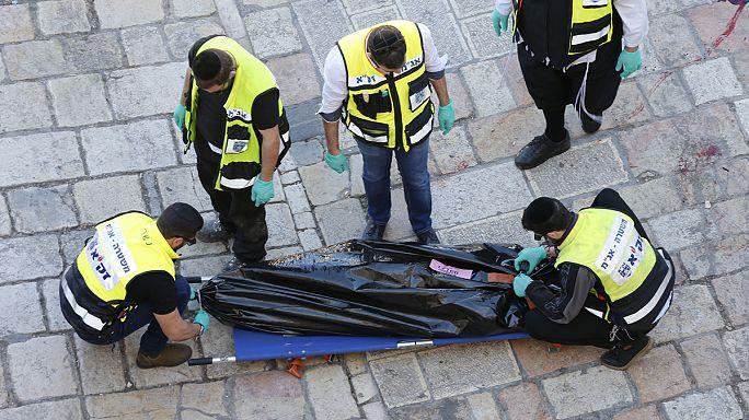 """مقتل فلسطيني """" حاول طعن شرطيين اسرائيليين """""""