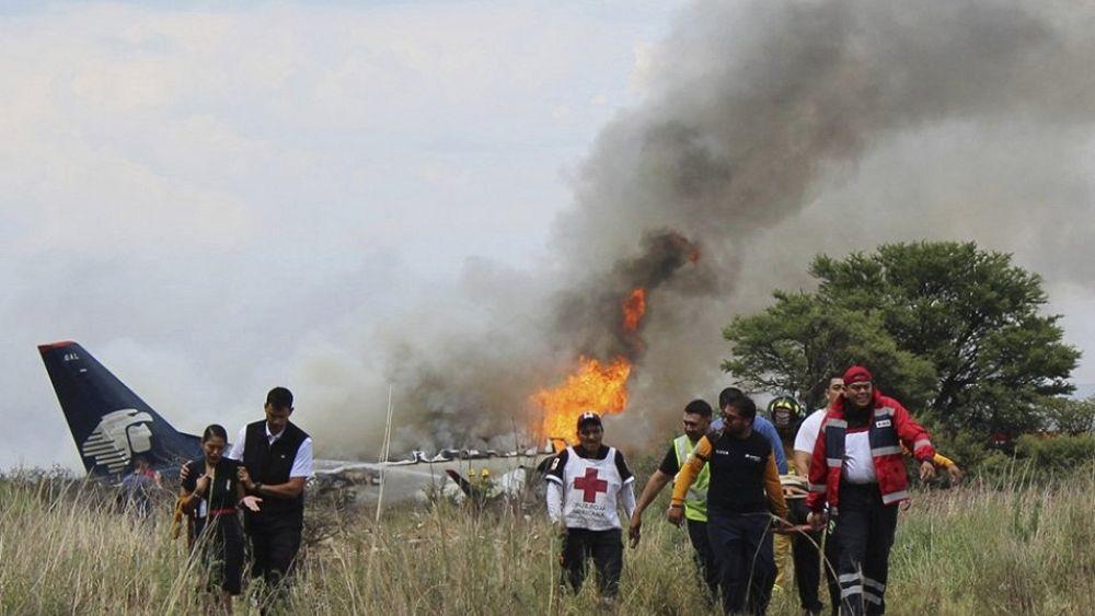 Passenger video shows terrifying moment of Aeroméxico plane crash